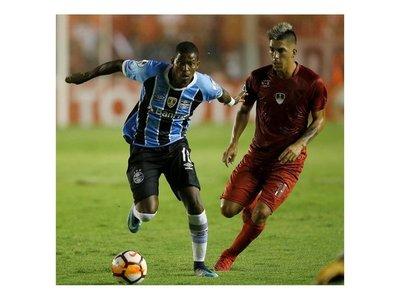 El 'Rojo' y Gremio igualan y decidirán el título en Brasil