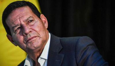 """Brasil propone """"corredor de escape"""" para que Maduro deje el poder"""