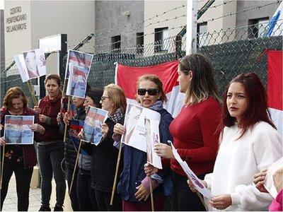 Paraguayos en Lanzarote piden justicia para Romina