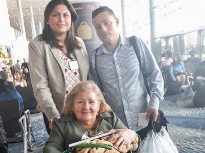 Dos paraguayos regresan desde Venezuela ante la crisis
