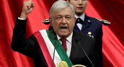 México no cambiará su postura sobre Venezuela, dice López Obrador