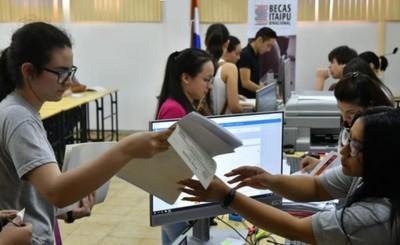 Casi 5.500 jóvenes se postularon a becas de Itaipu