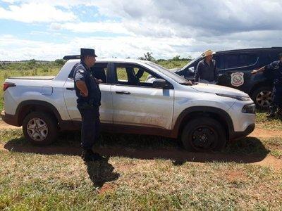 Hallan abandonada camioneta que habría sido utilizada por sicarios