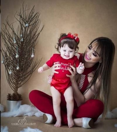 Marilina Demostró Como Su Hija Melody Ya Gusta De La Música