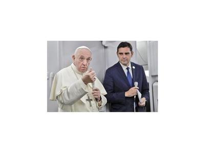 Dimite un alto cargo del Vaticano tras ser acusado de abusos