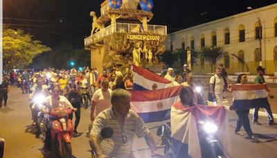 Manifestación contra el clan Urbieta recobra fuerzas
