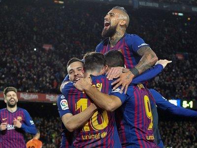 El campeón golea al Sevilla y avanza a semis