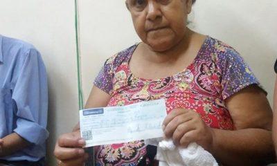 Tras 18 años de lucha ex funcionarios cobran parte de indemnización