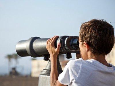 Blas Servín invita a aprender de Astronomía en cinco días
