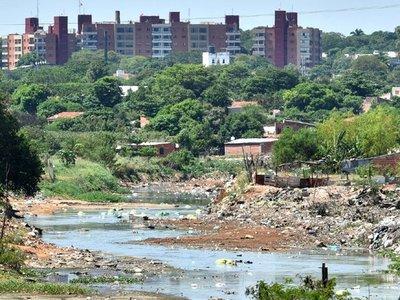 Arrancó otra batalla para combatir contaminación del arroyo Mburicaó