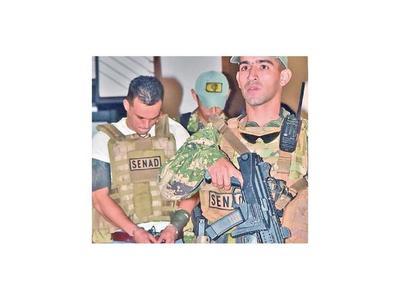 Acusan a dos policías por proteger a narco