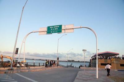 Presidente inaugura el Muelle Deportivo en la Bahía de Asunción