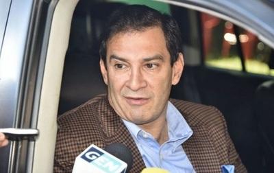 """Nos volvimos travestis en la política"", afirma Ovelar"