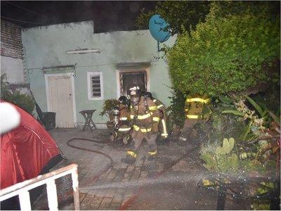 Instalaciones eléctricas viejas habrían provocado incendio en vivienda