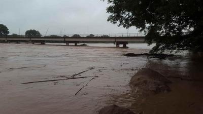 Solicitan a pobladores ribereños evacuar ante posibles desbordes del Pilcomayo