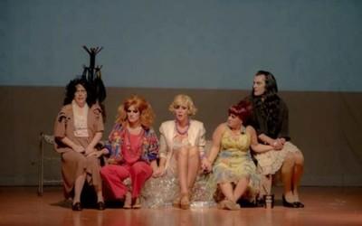 Sigue El Club De Las Feas En El Teatro Latino