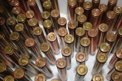 Decomisan encomienda con 400 cartuchos para armas de fuego