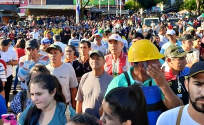 Multitudinaria participación en manifestación