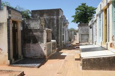 Exoneración del 100% de multas y recargos para propietarios de lotes en cementerios Municipales de Asunción