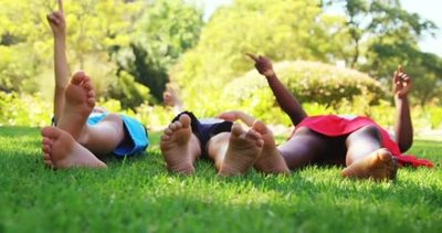 Consejos para evitar mal formaciones de los pies en la niñez.