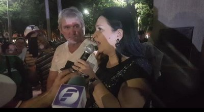 Expulsan a senadora liberal de una plaza de Concepción