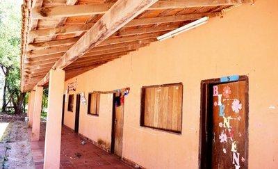 Caaguazú: hay 800 pedidos para reparar y hacer nuevas aulas