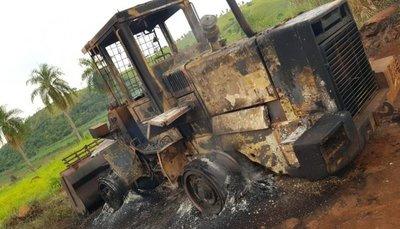 Queman tractor en Amambay