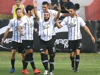 Golea y ya piensa en la Libertadores