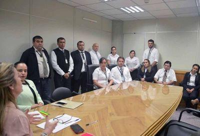 Caazapá: Reunión con actuarios y jefes de secciones