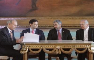 Firman acuerdo para la planificación y desarrollo de la Franja Costera de Asunción