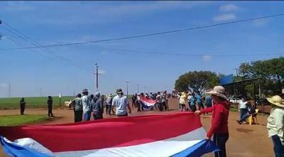 Campesinos de Santa Lucía exigen respuestas de Indert
