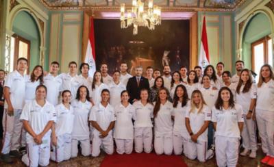 HOY / Renuevan becas con los deportistas paraguayos