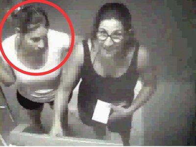 Mujer pidió disculpas y devolverá lo robado