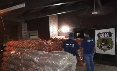 HOY / Incautan toneladas de cebollas y papas en Nanawa