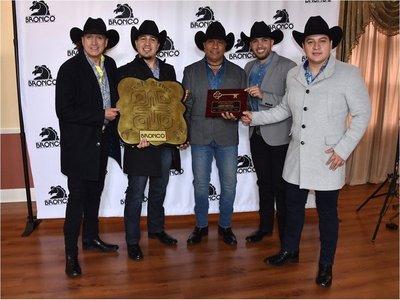 Grupo Bronco recibe en California las llaves de Lynwood