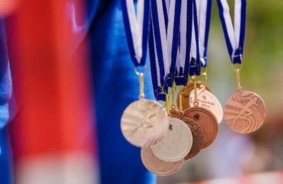 Medallas de los Juegos Olímpicos de Tokio serán fabricadas con celulares reciclados
