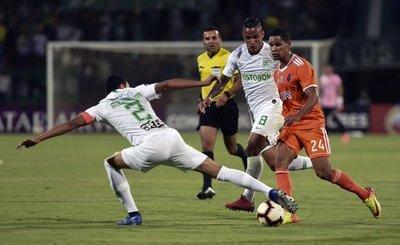 Atlético Nacional avanza y será rival de Libertad