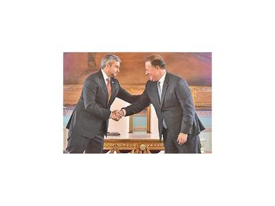 Paraguay y Panamá firman varios acuerdos en materia de seguridad