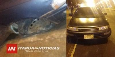HURTARON VEHÍCULO Y LO ABANDONARON EN LLANTA..