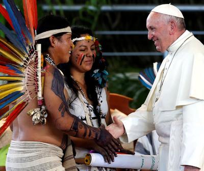 """El Papa pide """"mestizaje cultural"""" con los pueblos indígenas"""