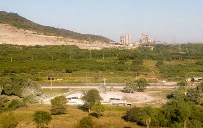 Barcaza con 2.500 toneladas de cemento partió de Vallemí, afirma la INC