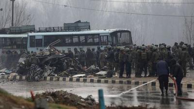 Al menos 44 muertos en el peor atentado contra policías en la India – Prensa 5