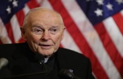 El Vaticano expulsa a un alto clérigo estadounidense acusado de abusos sexuales