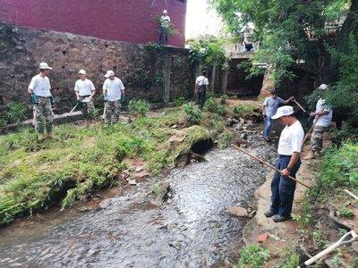 Inicia la jornada de limpieza del Arroyo Mburicaó