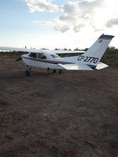 Hallan avión con matrícula boliviana