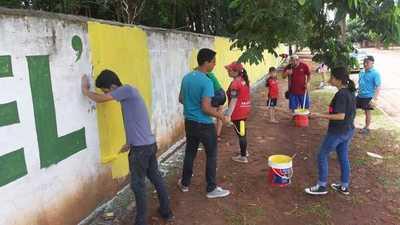 Repintan muralla usada para campaña  política