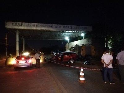 Empresario fallece tras embestir contra estructura de cemento