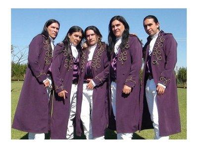 A pesar de críticas, The Fenders canta hoy