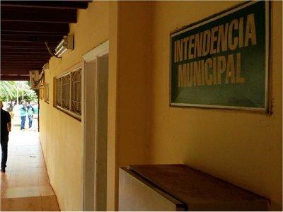 CDE: Prohíben uso de portanombres a funcionarios municipales