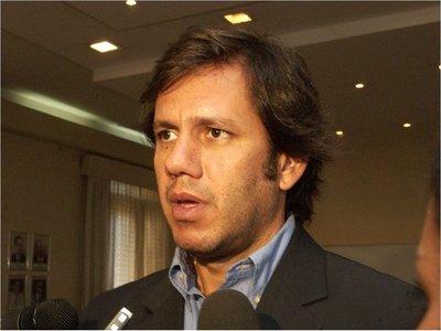 Carmelo Caballero será investigado  por lavado de dinero